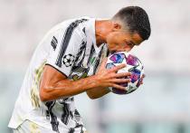 Роналду присвоил себе звание лучшего бомбардира в истории футбола