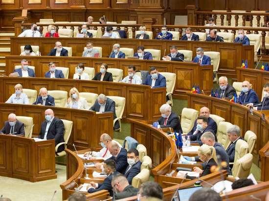 Парламент Молдовы утвердил проект ПСРМ об индексации пенсий в 2021г