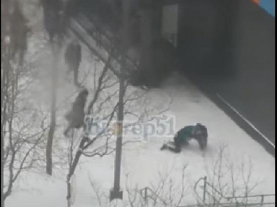 Карельский журналист стал очевидцем массовой драки в Мурманске