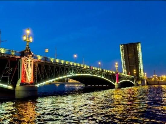 В Петербурге озвучили график технической разводки мостов