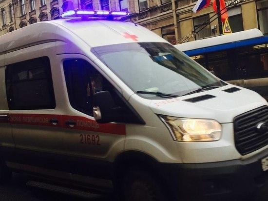 СМИ: на бригаду скорой помощи напали с ножом на Омской улице