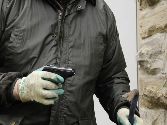 Жители алтайских городов лишились квартир из-за банды мошенников
