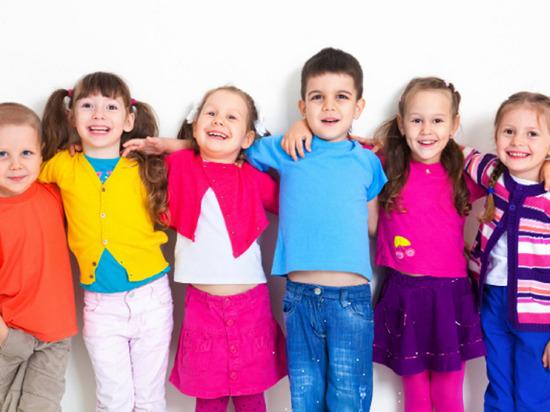 Беглов подписал постановление о детских летних лагерях
