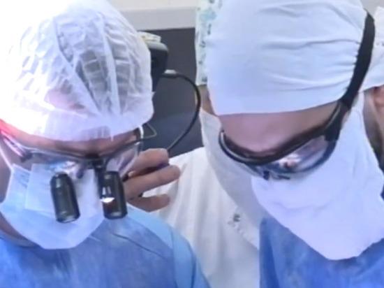 Также в непростой пандемийный год здесь не только принимали, лечили и оперировали пациентов «своего» профиля, но также проводили обучение специалистов