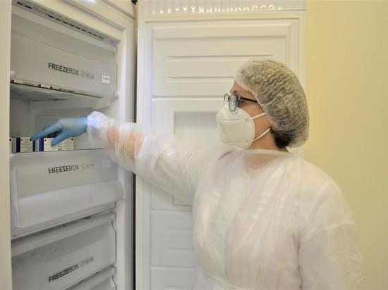 В Петербурге уже закрыли один из пунктов вакцинации в торговом центре