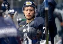 16 марта капитан клуба молодежного хоккейного клуба «Динамо Санкт-Петербург» Тимур Файзутдинов скончался в ярославской больнице. Тремя днями ранее 19-летний хоккеист был доставлен в реанимацию после несчастного случая на катке — шайба попала ему в голову. За жизнь молодого капитана боролись три дня, но спасти Тимура не удалось.