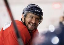 Овечкин обошел Эспозито списке лучших снайперов в истории НХЛ