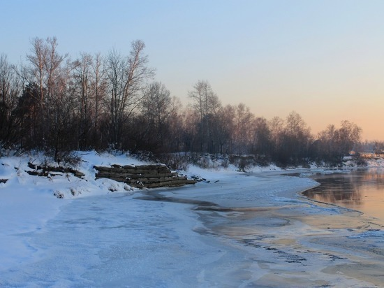 Две ледовые переправы закрыли в Алтайском крае