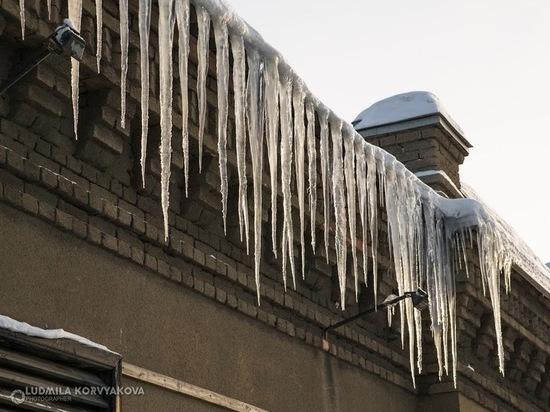 Мэрия Петрозаводска обратилась с требованием о чистке крыш и козырьков