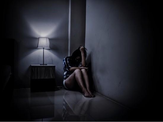 Петербуржца задержали по подозрению в доведении дочери до самоубийства
