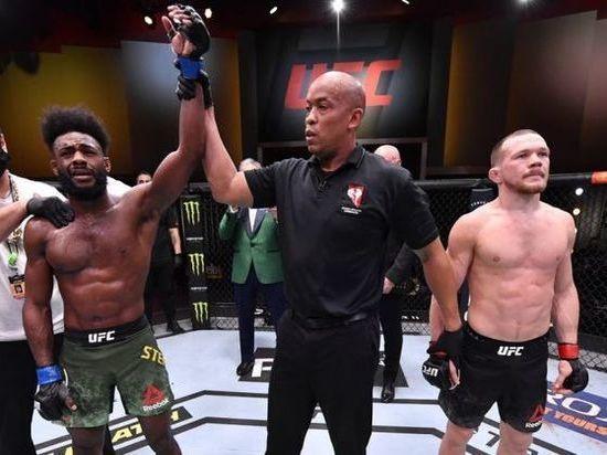 Алджамейн Стерлинг отобрал у россиянина Петра Яна пояс чемпиона UFC в легчайшем весе