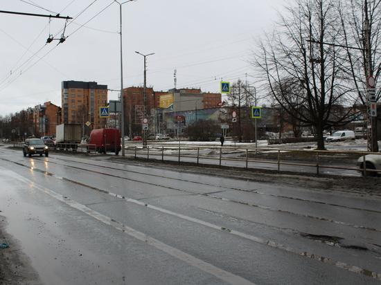 Светофор на набережной Варкауса заработает в апреле