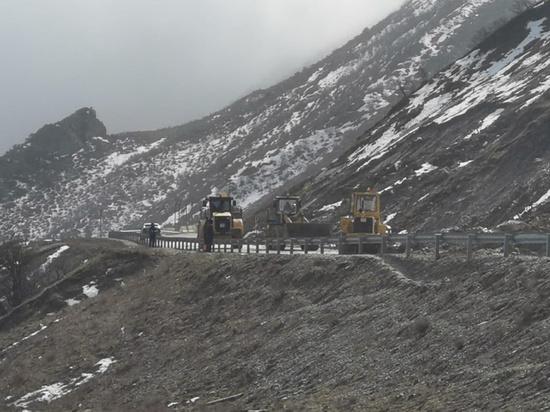 Проезд на Буйнакском перевале откроют к концу недели