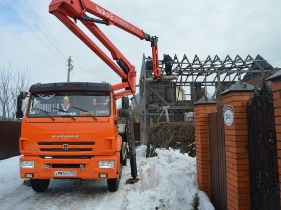 Незаконную постройку демонтировали в Серпухове