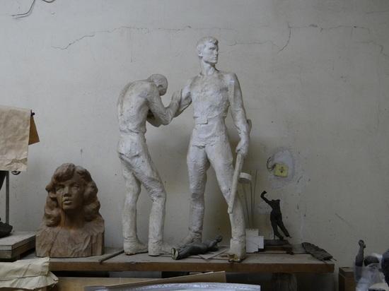 В Волгограде отмечают 90-летие со дня рождения скульптора Криволапова