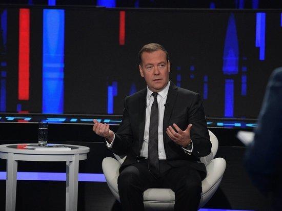 Медведев заявил, что Байден производил адекватное впечатление, но время его не пощадило