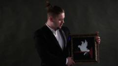 Фокус с оживлением картины и голубем