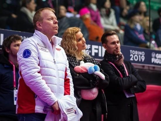До чемпионата мира по фигурному катанию осталось всего ничего, а сборная России оказалась в центре скандала, связанного с протоколом COVID-19. Команда Этери Тутберидзе вылетит в Швецию на чемпионат мира-2021 в полном составе, что противоречит правилам безопасности. Иностранцы пишут петицию с требованием наказать русских.