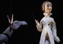 Кинорежиссер и продюсер Тимур Бекмамбетов поставил в Театре Наций кукольный спектакль «Ходжа Насреддин» о фольклорном герое Востока, которого многие полюбили в детском возрасте благодаря книгам Леонида Соловьева
