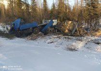 Два человека пострадали в аварии большегруза на дороге «Яна» в Якутии