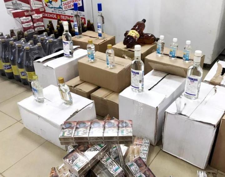 Контрафактный алкоголь и сигареты продавал псковский магазин, фото-2