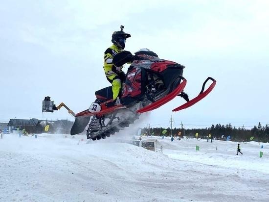 Спортсмены из Нового Уренгоя заняли весь пьедестал на первенстве РФ по снегоходному кроссу