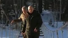 Появилось видео прогулки Путина по тайге с Шойгу