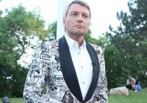 Бывший зять Бориса Шпигеля Николай Басков отказался комментировать ситуацию, в которую попал его в прошлом некровный родственник