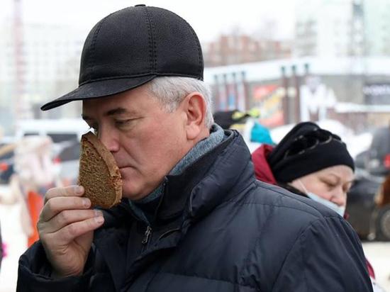Губернатора Пензенской области обвинили в неуставных отношениях с олигархом
