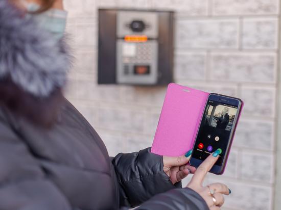 «Киберпанк» по-читински: домофон, камеры и счётчики – со смартфона