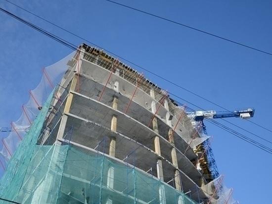 Свердловские строители просят Хуснуллина пустить рабочих из Таджикистана и Узбекистана в Россию