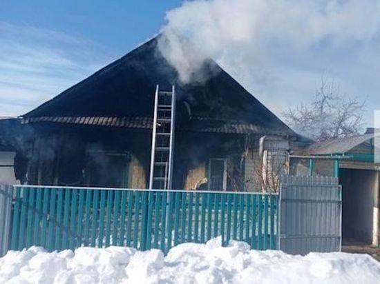 Женщина погибла при ночном пожаре в частном доме в Татарстане