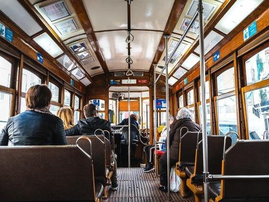 Трамвай, ехавший без водителя, изучит специальная комиссия властей Барнаула