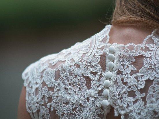 Невеста с сюрпризом: покупательница свадебного платья оказалась аферисткой