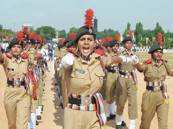 Сколько зарабатывают и как живут военные в Индии