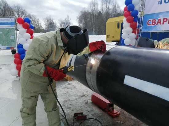 В Нижегородской области сварен первый стык трубопровода в месте пересечения с  трассой  М-12