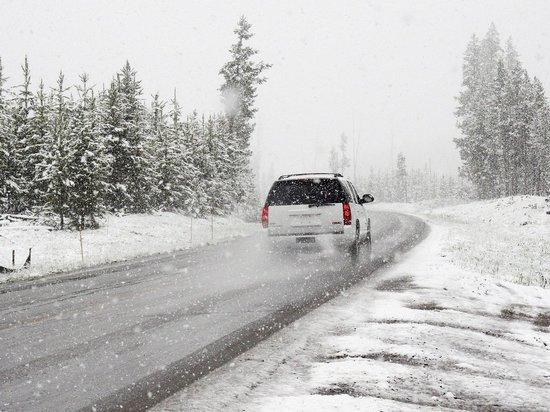 На Алтайский край обрушились мокрый снег, дождь и метель