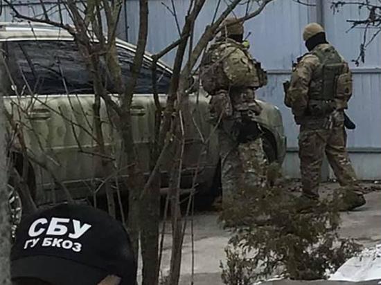 Зеленский готовится к скандальной премьере фильма о «вагнеровцах»: идут обыски