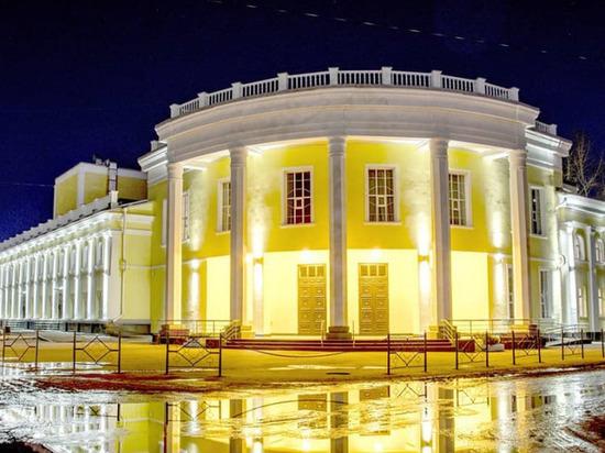 В отремонтированном за 175 млн рублей драмтеатре в Рубцовске протекла крыша