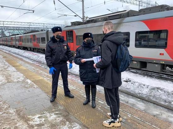 По железнодорожным путям в неположенном месте: в Петрозаводске ловили нарушителей