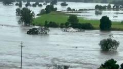 Сильнейшее за полвека наводнение затопило восток Австралии: видео бедствия