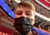 Чемпионат мира по фигурному катанию в самом разгаре, а вопросов к его организации становится все больше и больше. В преддверии турнира в Стокгольме более 3 тысяч человек подписали петицию с требованием усилить меры безопасности, однако за последние три дня на соревнованиях было выявлено два случая заражения коронавирусом. Авторы петиции на примере российских фигуристов и журналистов доказывают, что никто в Стокгольме не думает о безопасности.