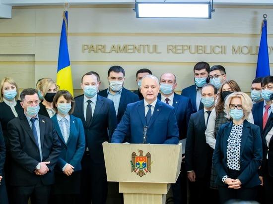Как президент Молдовы Майя Санду разыграла политический фарс