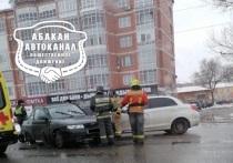 В Абакане на перекрёстке Аскизской-Стофато случилось ДТП