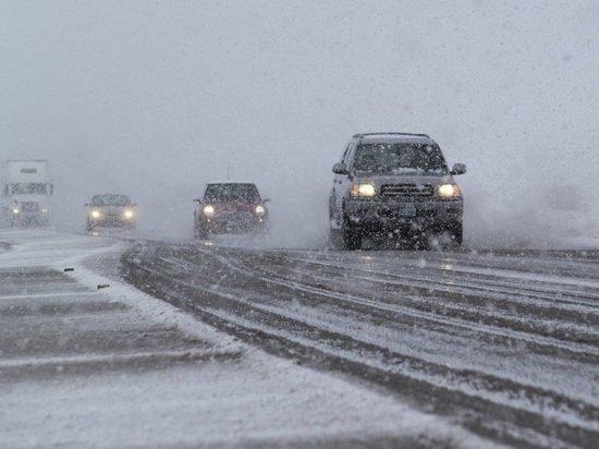 Трассу Абакан-Саяногорск закрыли для автобусов из-за обильного снегопада
