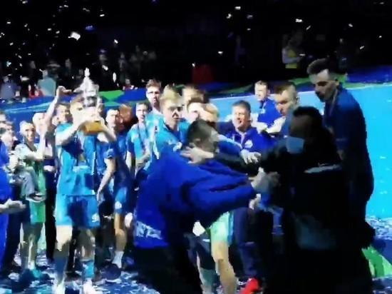 Стюарды «Зенита» избили фаната «Динамо» после мачта в Петербурге
