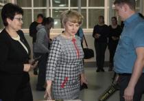 Глава Минобрнауки Хакасии вместе с родителями сдаст ЕГЭ по русскому языку