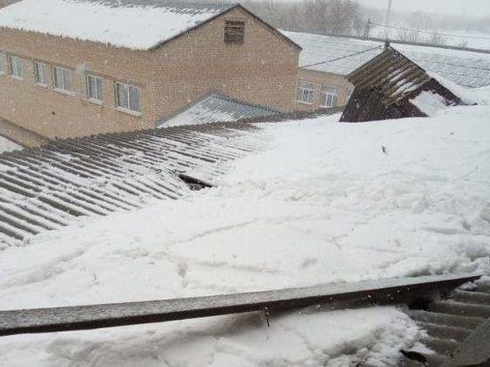 В Ташлинском районе отремонтировали рухнувшую крышу в школе