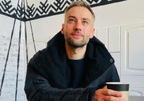 «Добро пожаловать!»: Дмитрий Шепелев показал фото с новорожденным сыном
