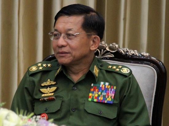 Старший генерал Мин Аунг Хлаин в эксклюзивном интервью «МК» - о безвизе, экономике и дружбе с Россией